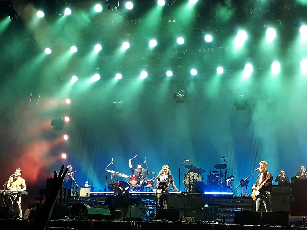 mumford-sons-fm-frequency-festival