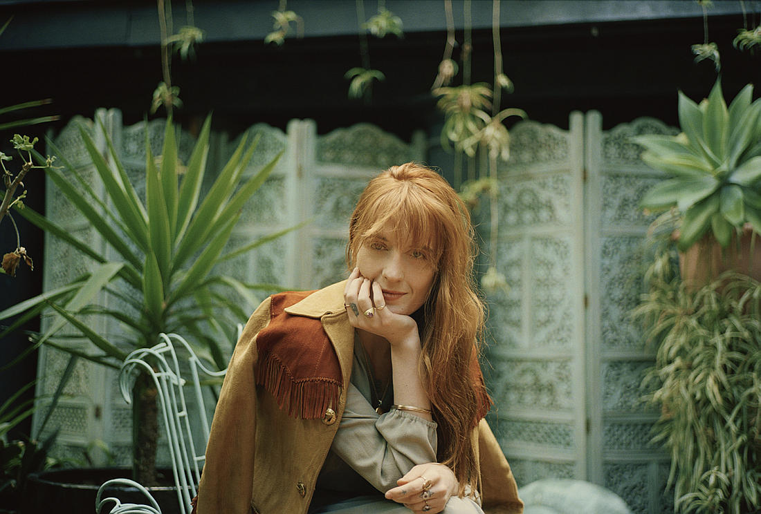 FlorenceWelch FATM Photo02 2018 credit Vincent Haycock UniversalMusic